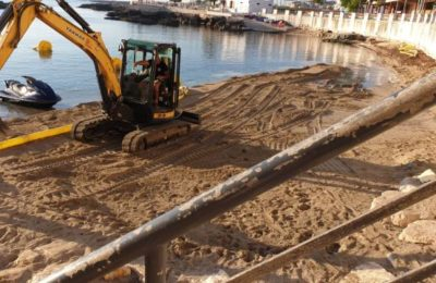 Monopoli, la spiaggia di Cala Porta Vecchia come a Dubai